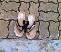 https://banmaihong.files.wordpress.com/2015/05/b466f-sandals.jpg